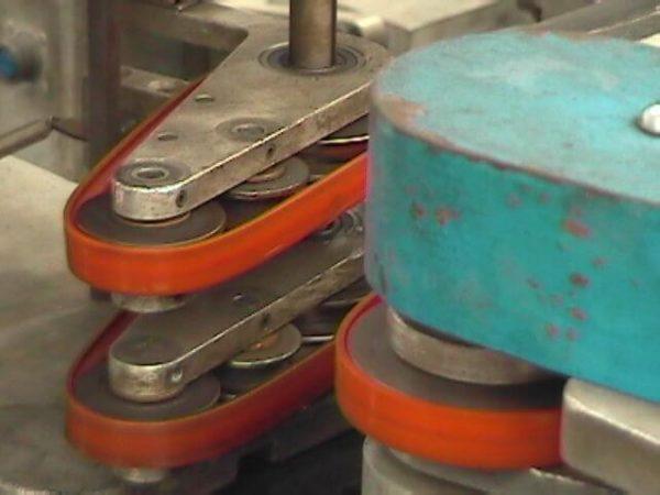 Belt for inspection bottle machine