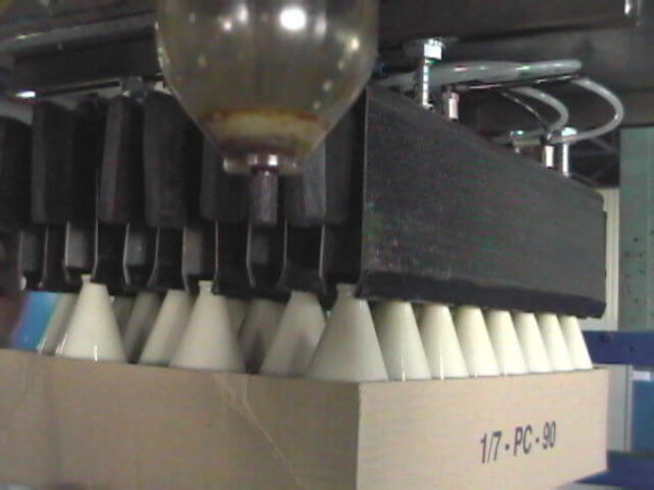 De palletizing gripper tubes for gripping bottle GGW