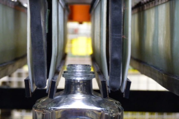 gripper tubes handling bottles