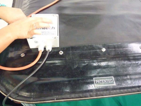Self heating vacuum bag autonomous for lamination process