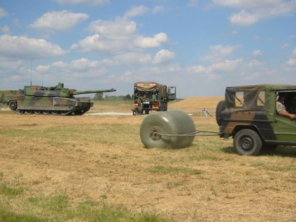 towable tanks for storage hydrocarbons