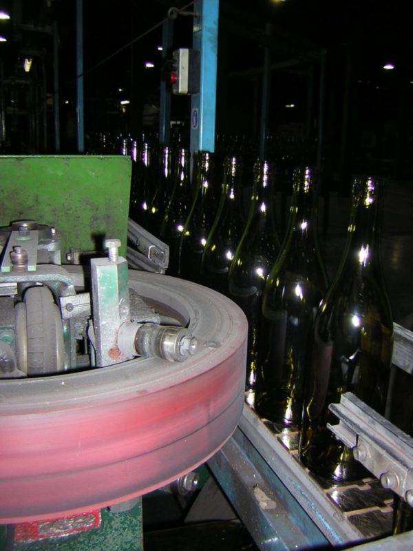 Wheel drive handling machine glass